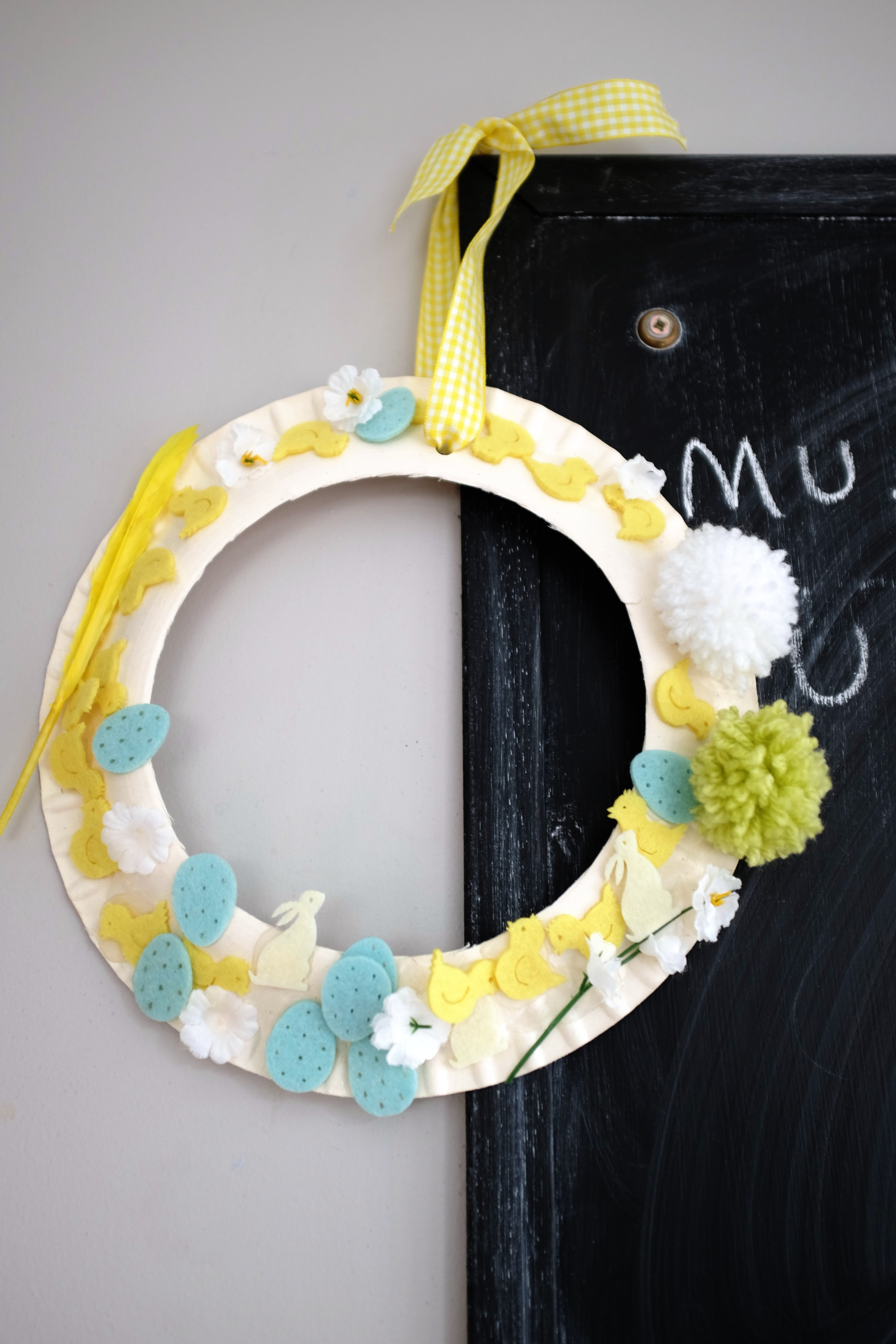 Childrens Easter garland