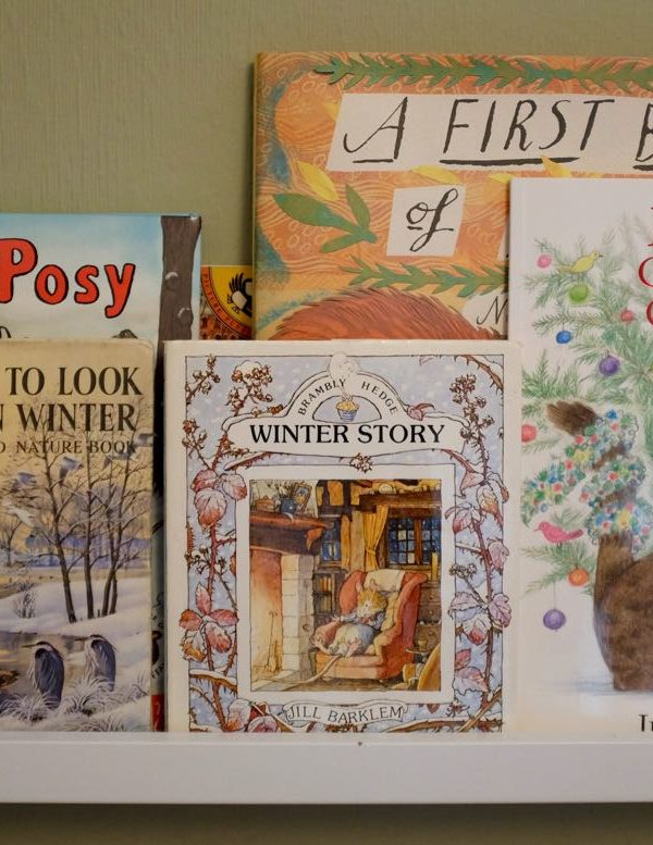 Creating a seasonal children's bookshelf
