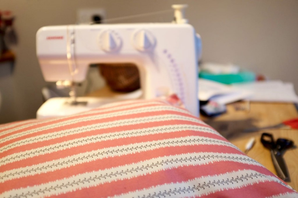Sewing Machine, making a cushion cover