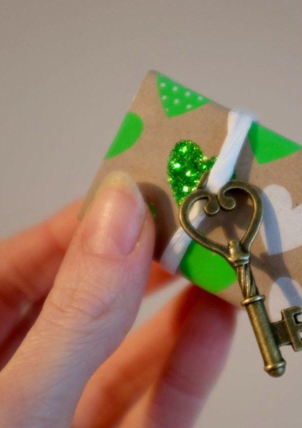Quick crafts: a Valentine in a matchbox