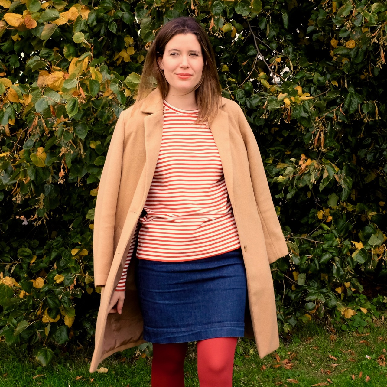 Red stripy top and red tights