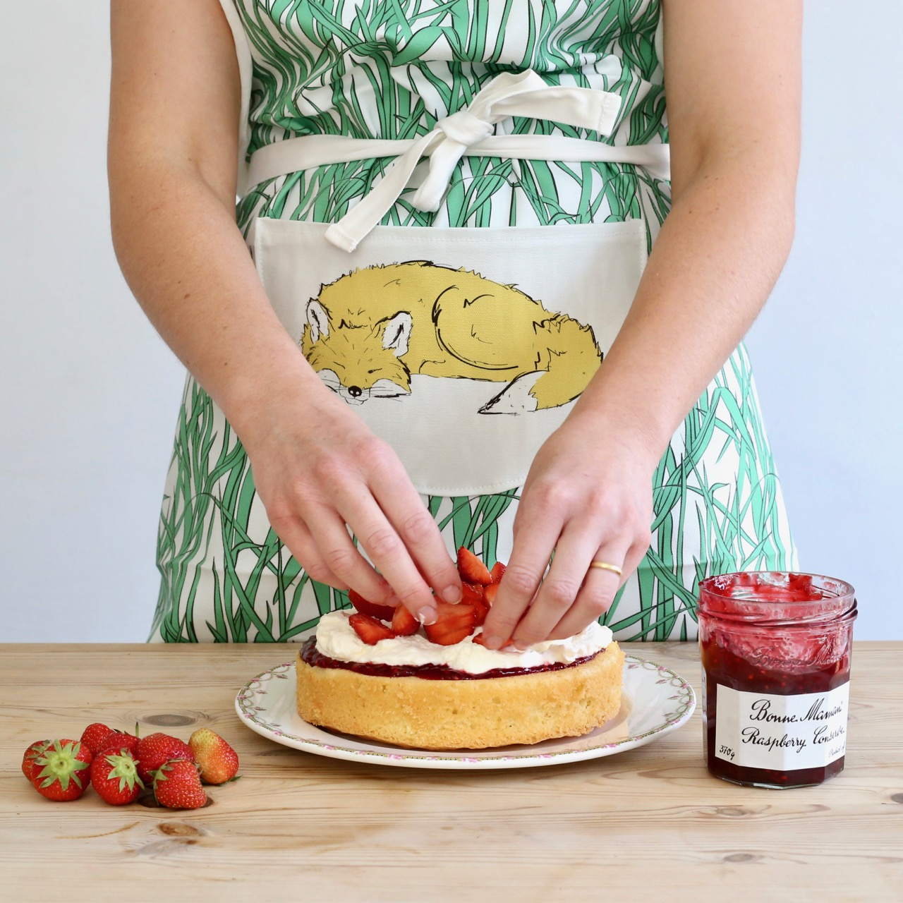 Roo-tid fox apron and Victoria sandwich