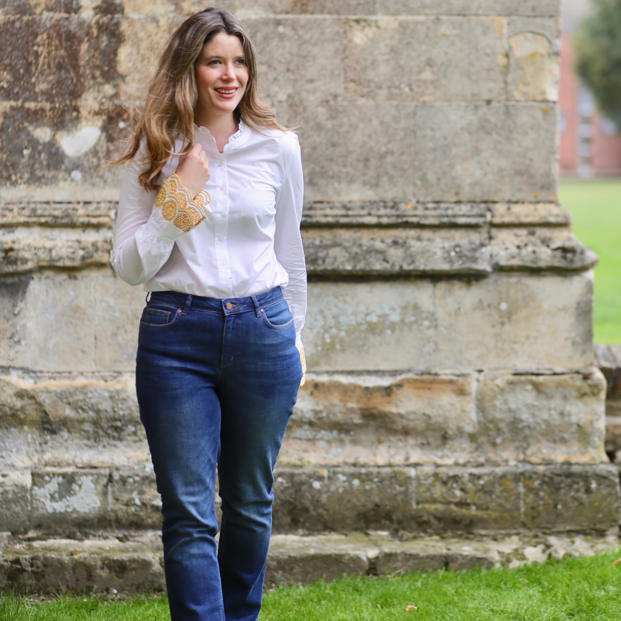 Boden Bronwen shirt and Cavendish girlfriend jeans