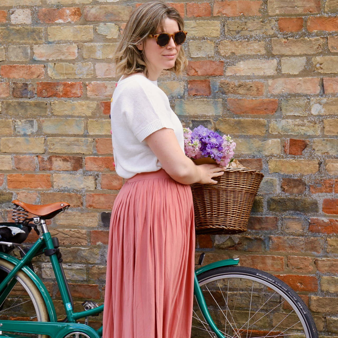 Pink skirt and Pashley Bike