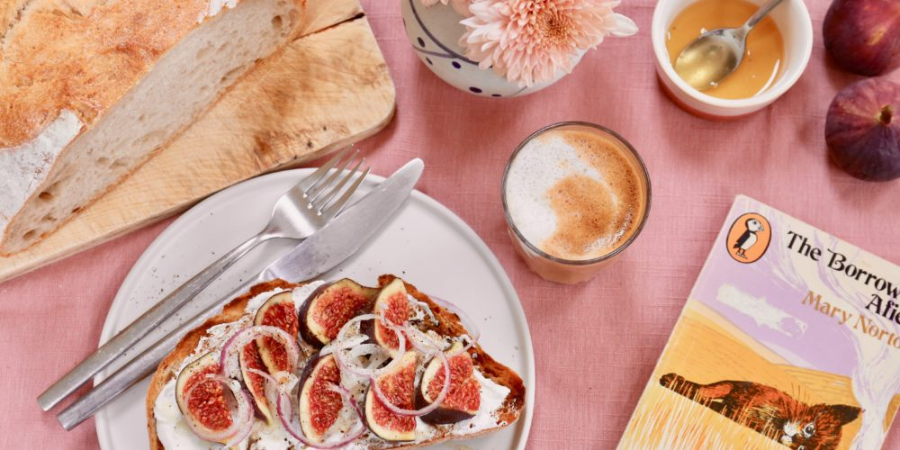 Goat's cheese and figs on sourdough toast